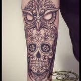 Crazy Colors-Tattoo Unterarm - Eule mit Sugarskull