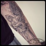 Tattoo Unterarm- Engelsstatue black and grey